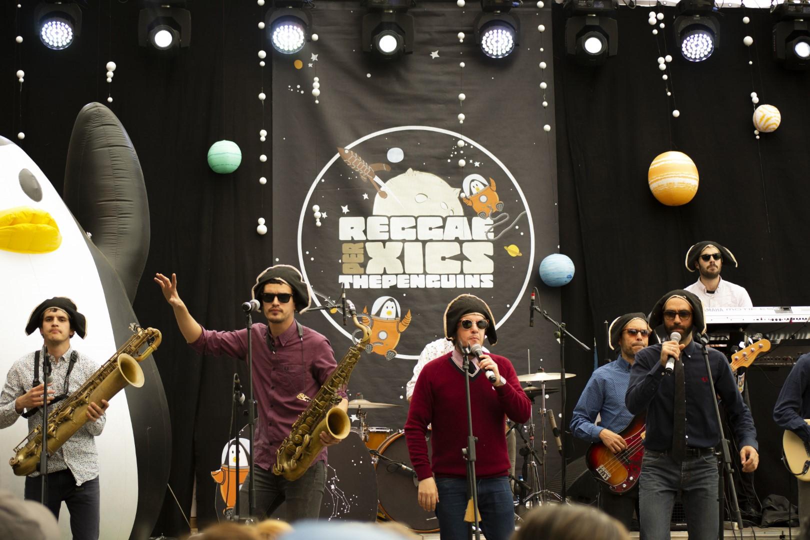 Reggae per Xics arrenca l'any al Poblenou incorporant 9 dones damunt de l'escenari