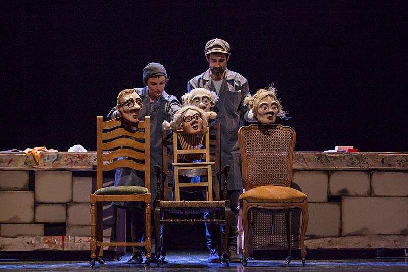 JOC DE CADIRES (Companyia Cal Teatre)